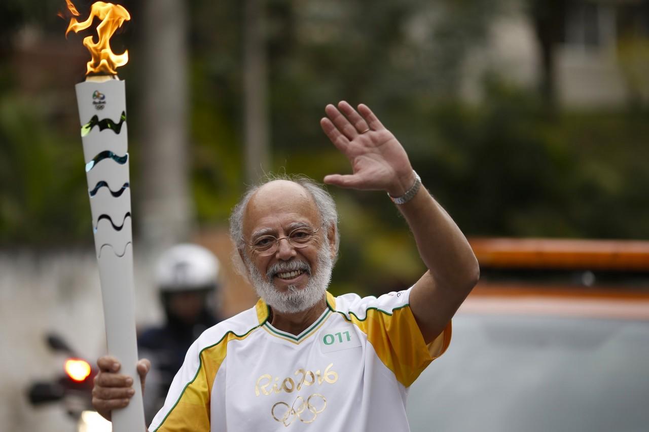 Fernando Diniz participa do revezamento da Tocha Olímpica em 28/07/2016